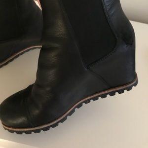 7dddac75804 Ugg pax wedge waterproof boots